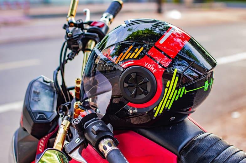 modular helmet feat