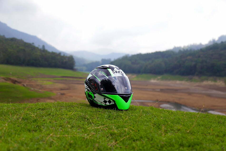 motorcycle helmet size determine